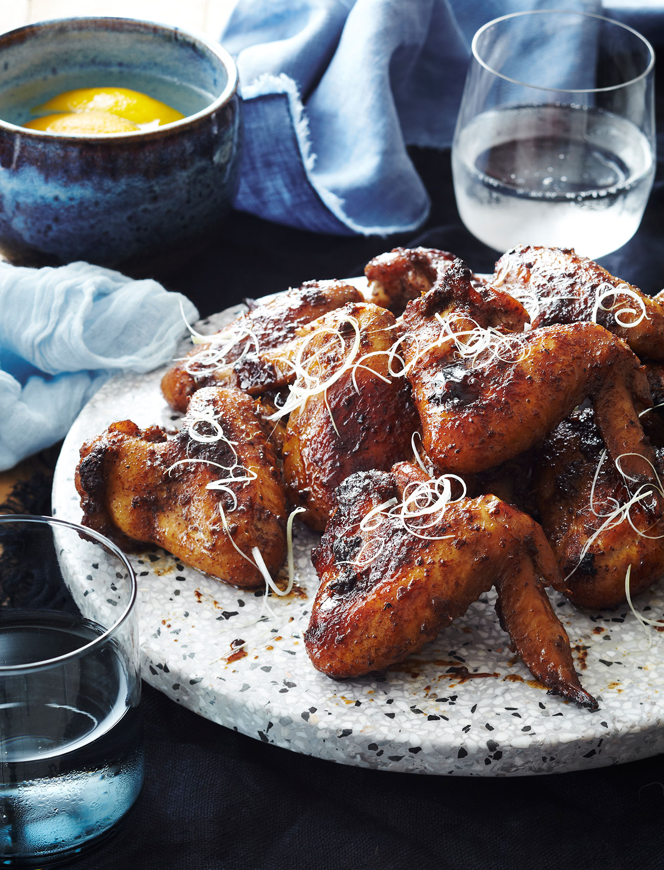 HG246_SachiesKitchen_ChickenWIngs_03