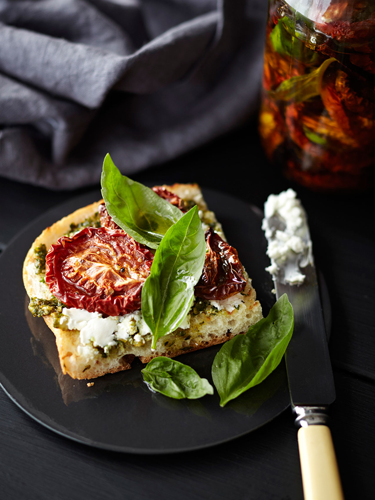 Sundried Tomato Toast with Basil – Creative Food Photography